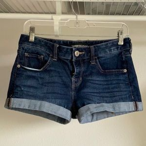 EUC express low rise size 2 shorts